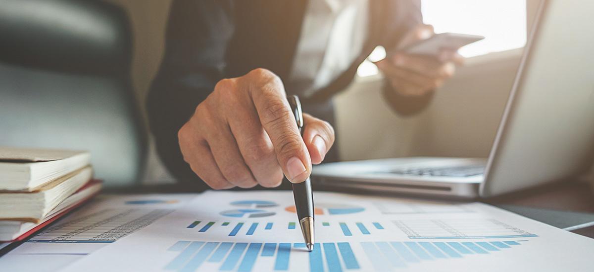 Evaluar tu perfil de inversor, estudiar los mercados y diversificar tu cartera son algunos de los aspectos que debes ajustar para dinamizar tu portafolio y lograr el éxito financiero en 2021.